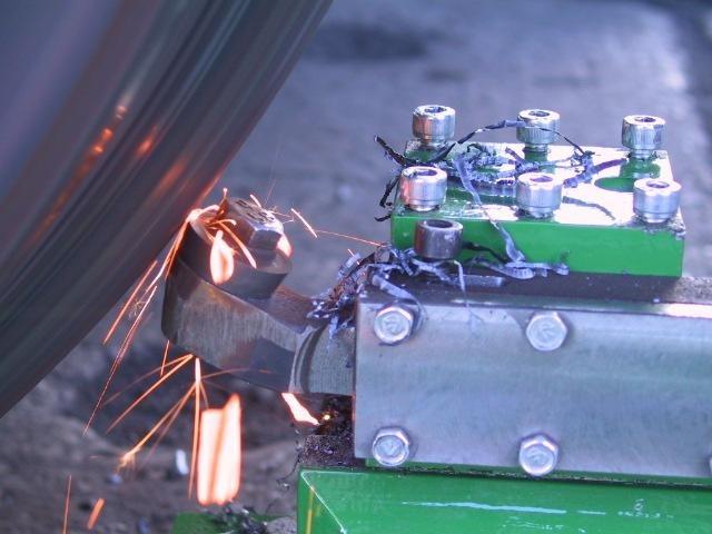 Мобильный станок для обточки колесных пар вагонов 1AK200