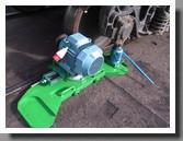 установка привода колесной пары для обточки колес грузового вагона - вращатель колёсных пар