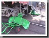 установка колесотокарного устройства 1AK200 под колесо вагона